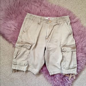 AĒROPOSTALE distressed cargo shorts EUC
